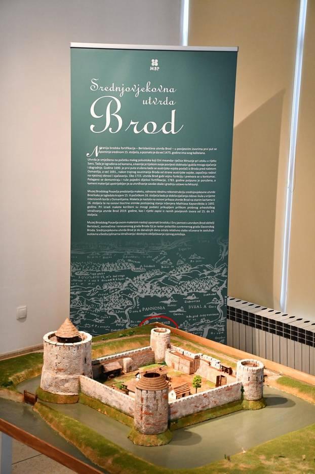 Slavonski Brod: Predstavljena maketa srednjovjekovne utvrde Brod u Muzeju brodskog Posavlja