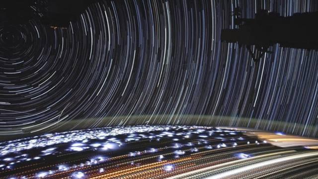 Impresivno: Ovako iz svemira izgledaju ulična svjetla i oluje