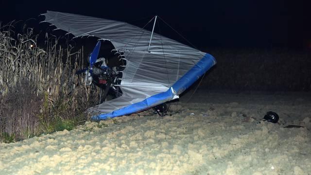 Kvar na motoru: Pao motorni zmaj, dvoje ljudi je ozlijeđeno