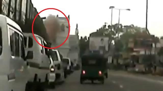 Snimili trenutak eksplozije u crkvi svetog Ante u Colombu