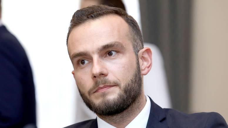 Aladrović o Covid potvrdama: Otkaz je jedna od opcija ako se neodgovorno ponašanje nastavi