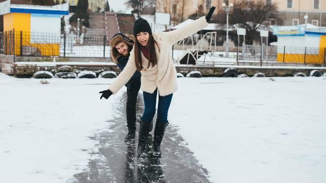 Evo kako hodati po ledu, a pri tom izbjeći rizik od pada i loma