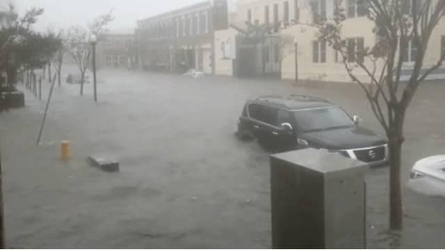 Bujice u SAD-u: U 4 sata palo kiše koliko padne u 4 mjeseca!