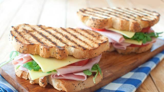 Zastupnik se hvalio da je ukrao sendvič. Morao je dati ostavku