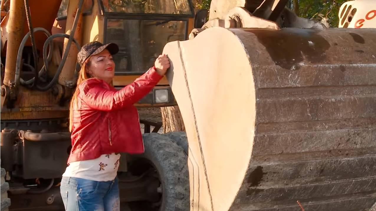 Katica ide u 'Zvijezde': Radi na dizalici, a Vuco joj piše pjesme