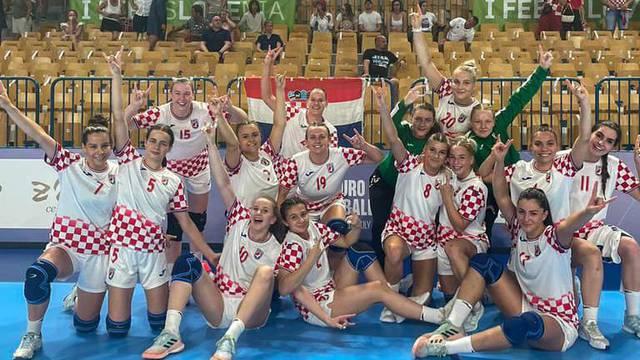 Nezaustavljive Hrvatice srušile i Crnu Goru! Ušle u četvrtfinale pa raspalile hit Dražena Zečića