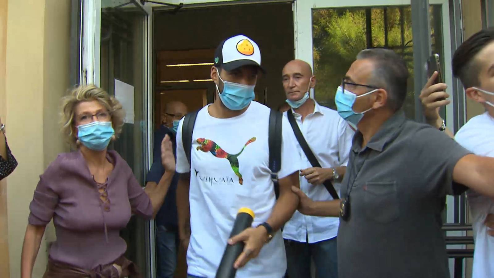 Soccer-Suarez language exam for Italian citizenship was rigged, say prosecutors