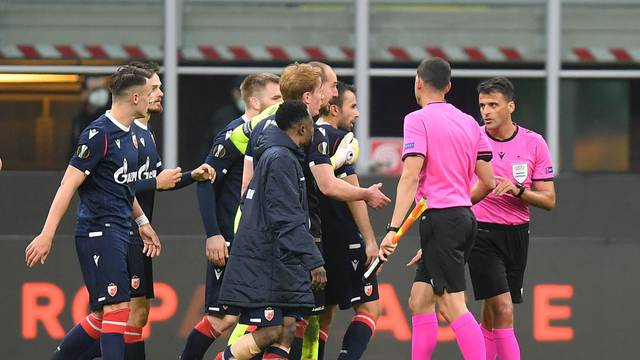 Europa League - Round of 32 Second Leg - AC Milan v Crvena Zvezda