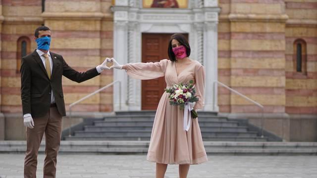 Kako zaštitne maske postaju dio kulture i modnog izričaja