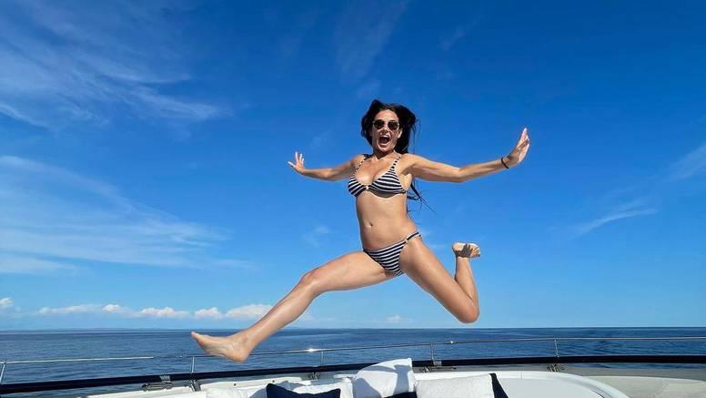Za nju vrijeme kao da je stalo! Demi Moore (58) pozirala u bikiniju i pozdravila se s ljetom