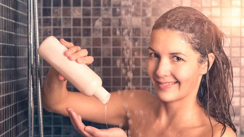 Kako odabrati dobar šampon? Pjena smanjuje trenje i kosa će se manje zapetljati u pranju