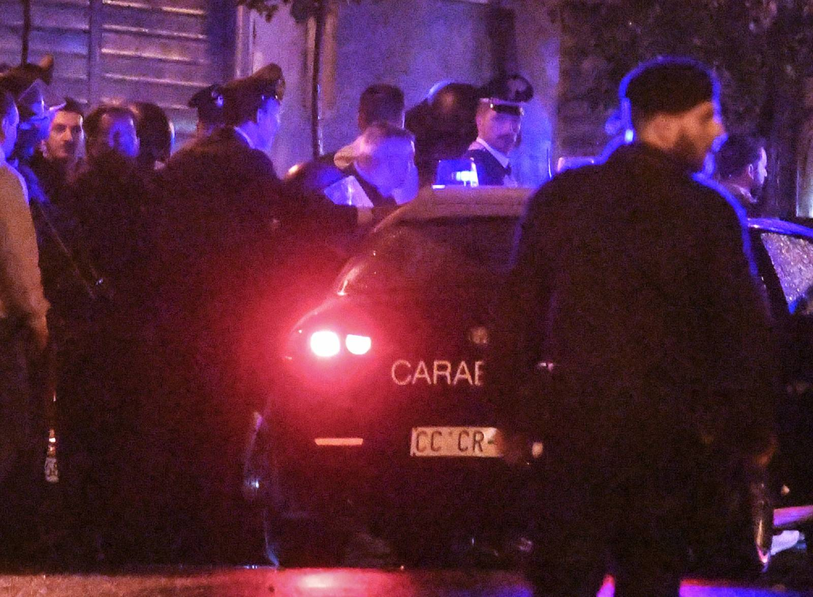 Qualiano, Naples, disabled kills his mother and barricades himself at home