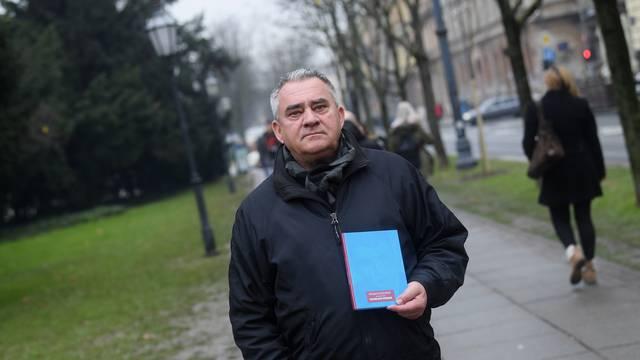 Milan Bešlić o Vučićevićevoj knjizi 'Izabranih pjesama'