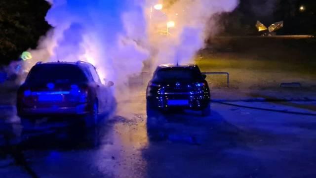 Zapalila se dva auta u Zagrebu: 'Vlasnik jednog je upozoravao ljude da se dimi, oni su otišli'