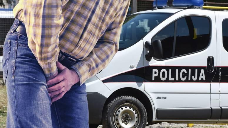 Bu(m)gojno! Pucao iz pištolja u svatovima u Bosni i Hercegovini pa pogodio kolegu u genitalije