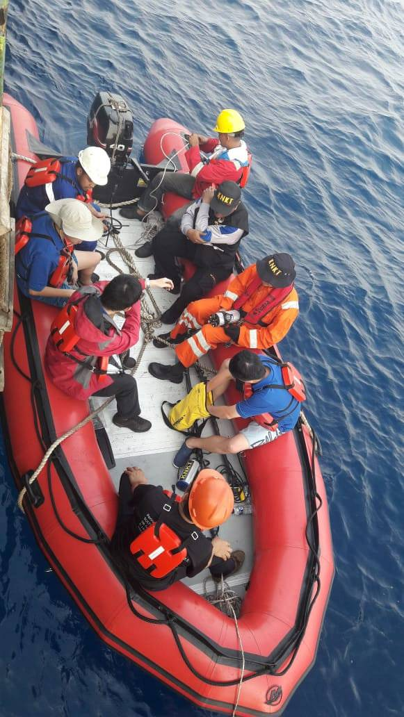 Social media image of divers preparing to set out for a search, days after Indonesia's Lion Air flight JT610 crashed into the sea