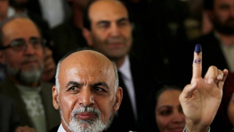 Rusi tvrde: Gani je iz Kabula pobjegao s četiri automobila i helikopterom punim gotovine