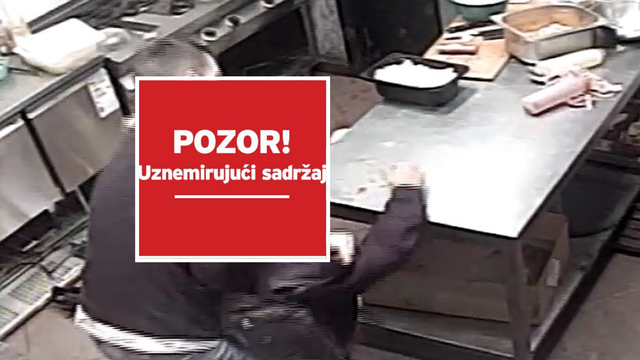 Užasna snimka napada škarama i mesarskim nožem na radnika fast food restorana u Splitu