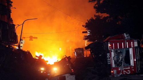 Mianmar: U baru izgorjelo 15 ljudi, ostali zarobljeni u kabini