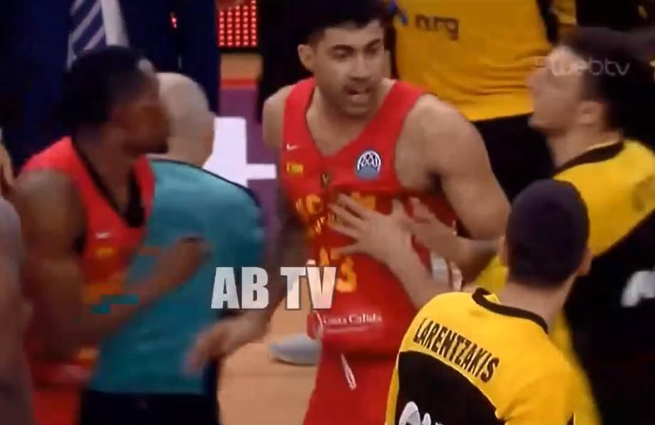 'Uništio je utakmicu!' Španjolci ganjali hrvatskog suca terenom