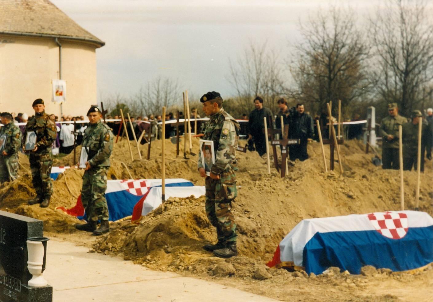 Zločin u Lovasu: Mjesto gdje su  četnici 'čistili' teritorij od civila