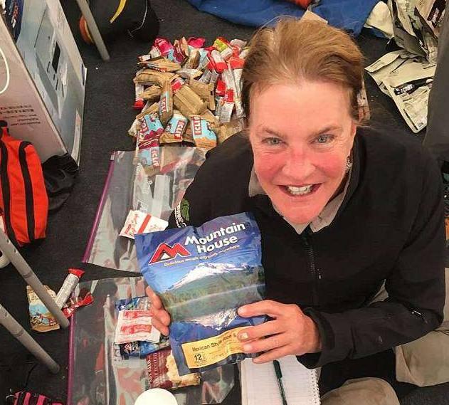 Preživjela mećavu na Everestu: Pala je niz stepenice i poginula