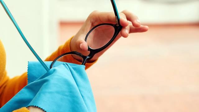 Za 10 minuta očistite naočale uz sredstva koje imate kod kuće