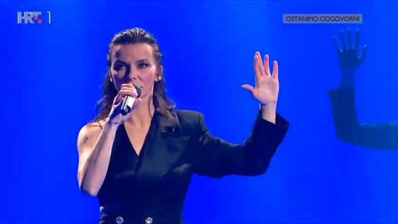 Vesna napravila spektakl: Stare pjesme izvela u novom ruhu