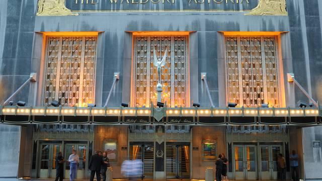 Na dražbi 80.000 predmeta iz slavnog hotela Waldorf Astoria