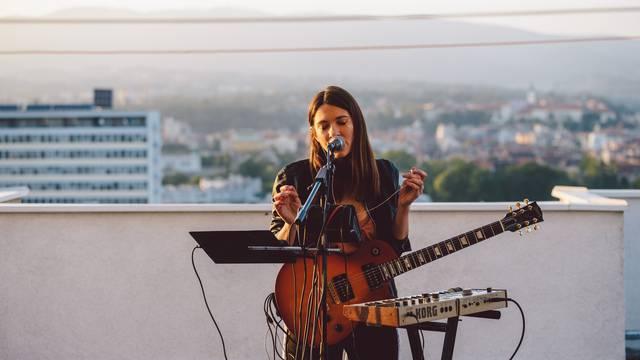 Udružili snage: Online zapjevali Detour, Plazmatick, Sara Renar