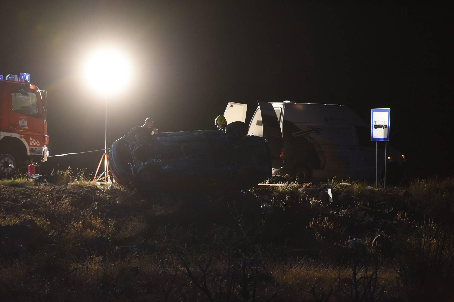 Maslenica, 17.08.2020 - U teskoj prometnoj nesreci poginule dvije djevojcice