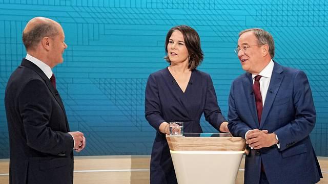 FILE PHOTO: Televised debate of the candidates to succeedGermany's Merkel