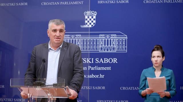 Zagreb: Marija Selak Raspudić i Miro Bulj na konferenciji za medije