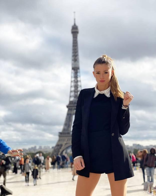 Golišava čestitka: Tenisačica je pozirala u donjem rublju...