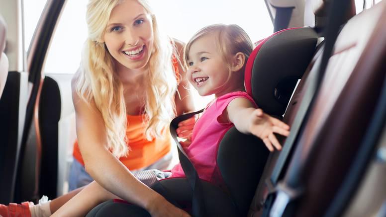 Roditelji godišnje potroše četiri dana spremajući djecu za put