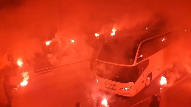 Kakav doček! Funcuti su zapalili Šibenik nakon rušenja Hajduka