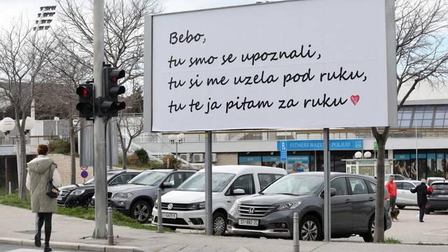 Sigurno je rekla da: Plakatom u Splitu zaprosio je svoju ljubav