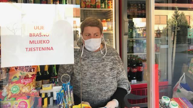 Kiosci počeli prodavati šećer i ulje, redovi pred mesnicama