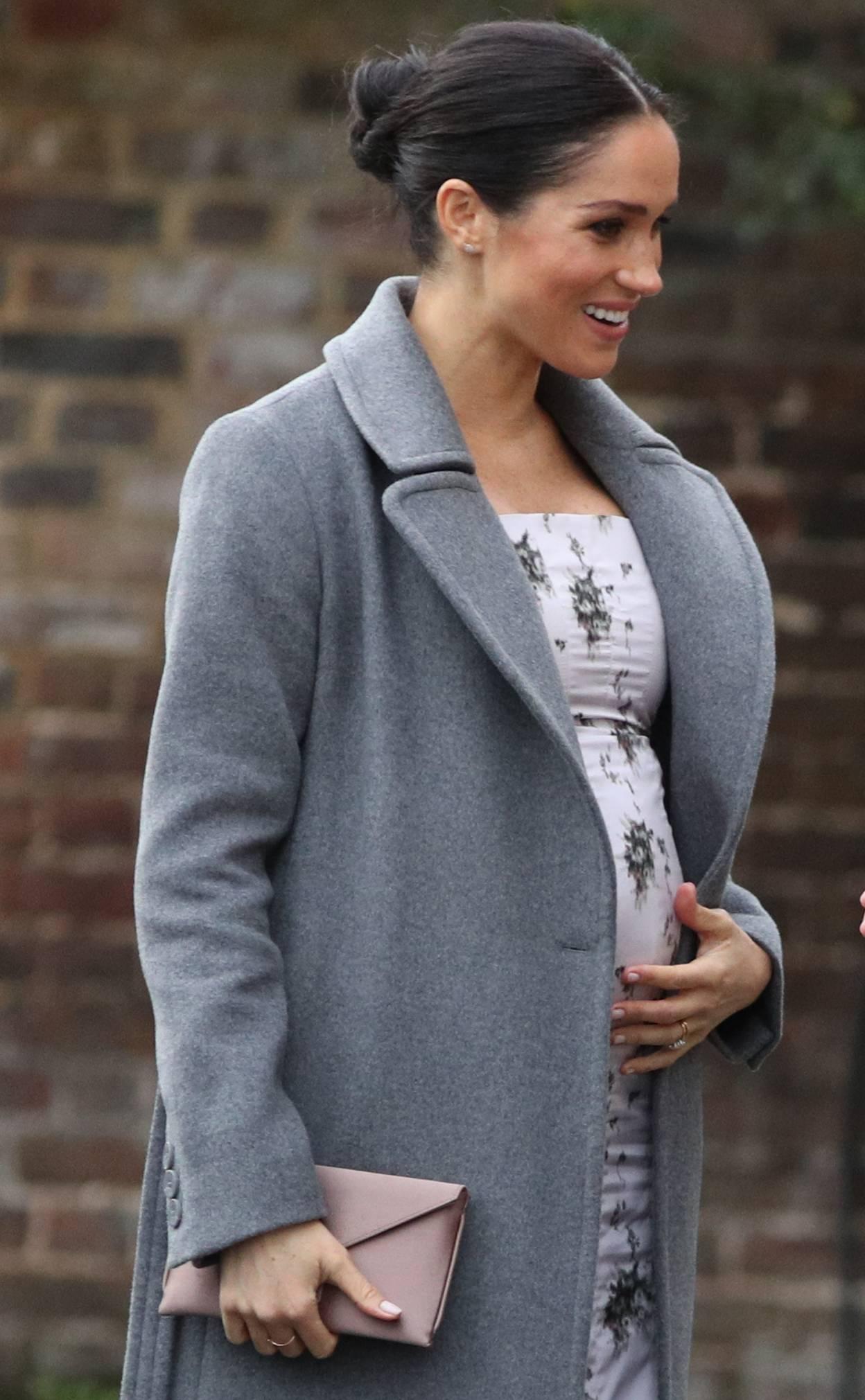 Meghan visits Royal Variety Charity care home