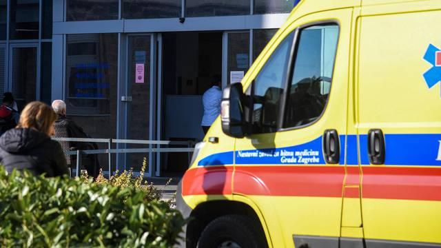 Ulaz u Hitnu službu bolnice Rebro
