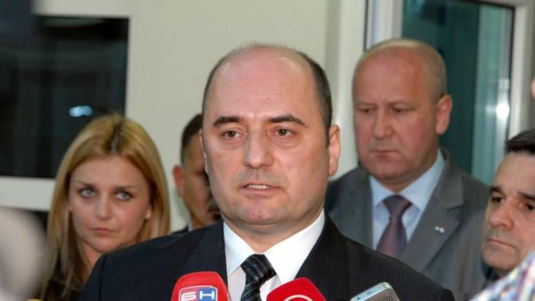 Milijan Brkić odlazi iz Sabora: Zbog plagijata ili zbog izbora?