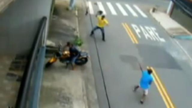 Čudesno: Dvojica su pucala po njemu i nisu mu mogli - ništa