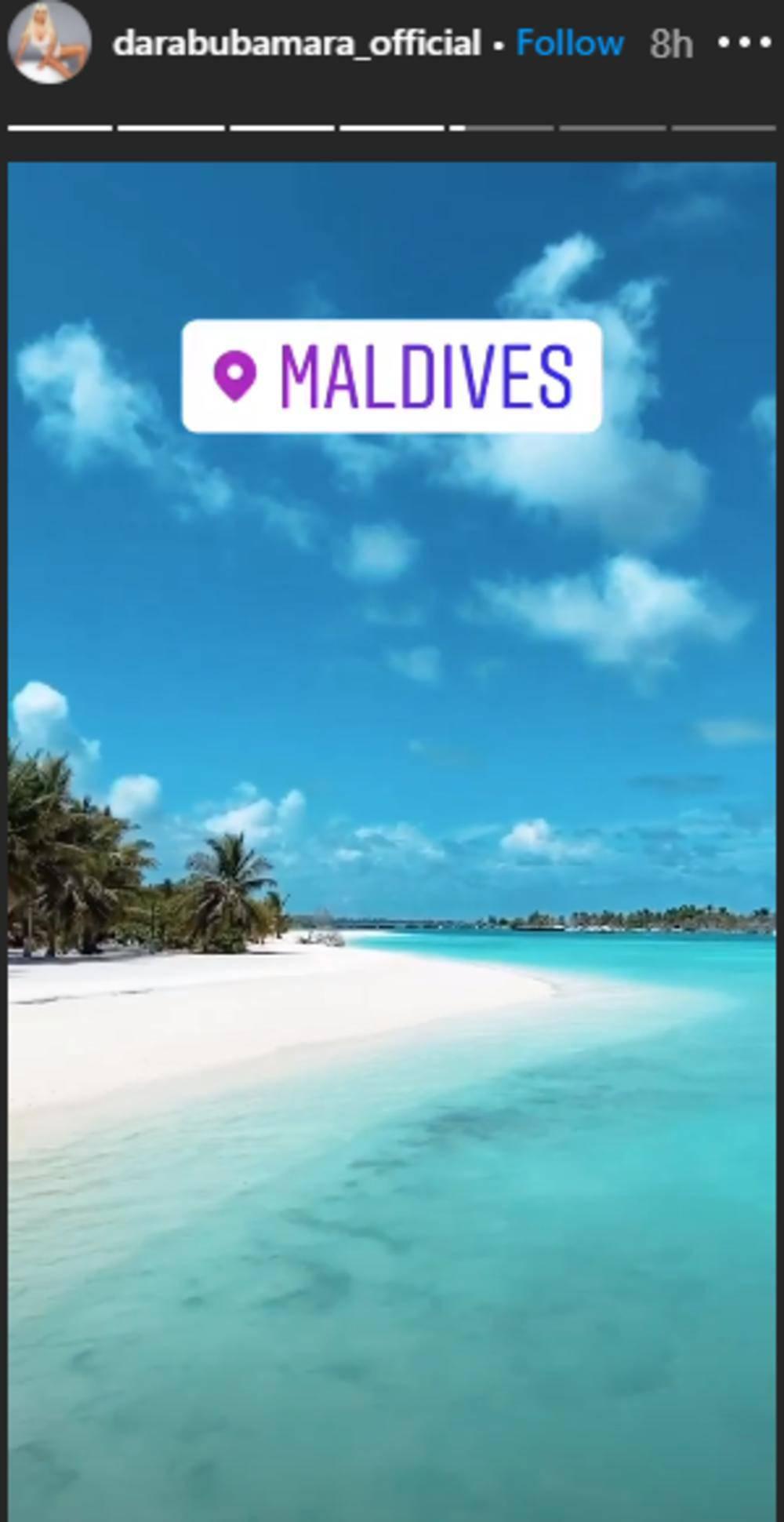 Vrući kadrovi s ljetovanja: Dara Bubamara je otišla na Maldive
