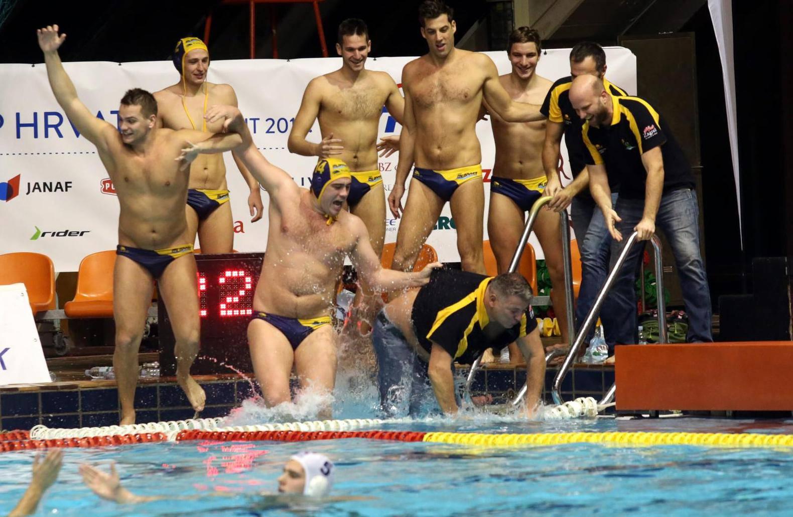 Hrvati su prvi u Europi u bazenu!