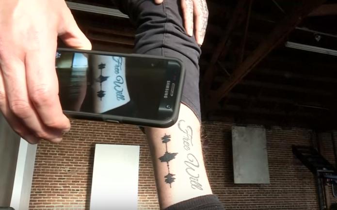 Ime na tijelu je tako 'out', sad možete tetovirati i voljeni glas