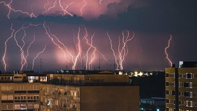Upaljen Meteoalarm, večeras nova promjena vremena: Kiša i grmljavina, na moru jaka bura