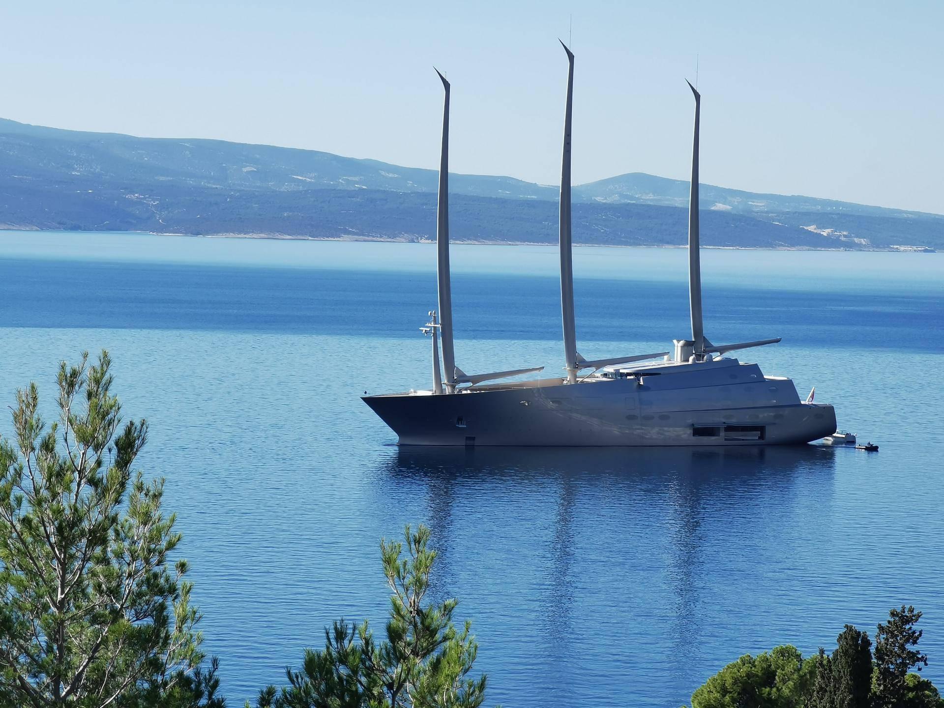 Najveća jedrilica na svijetu uplovila u Bašku Vodu