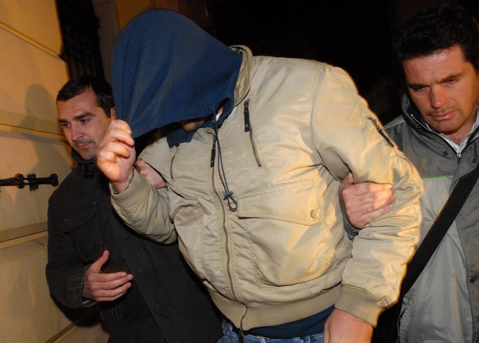 Privodjenje Ante Kurtovica optuzenog za milijunske prevare
