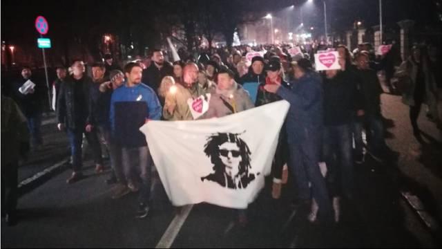 Davidova majka nastavlja s borbom, oporba s prosvjedima