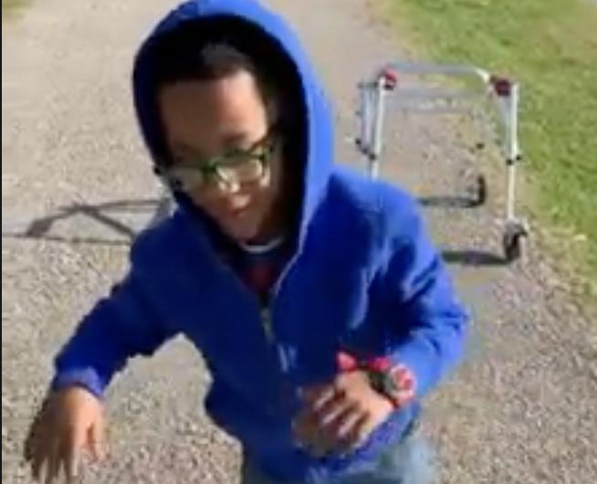 Marick ima cerebralnu paralizu: Prohodao je nakon pet godina